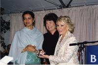 Alumnae award ceremony at reunion, 2004